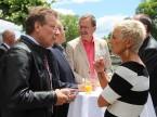 Susanna Sommer im Gespräch mit Gästen der AGVS-DV.